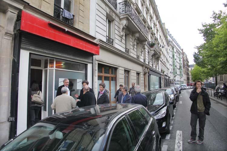1lerougeetleblanc_cartonnerie_rue