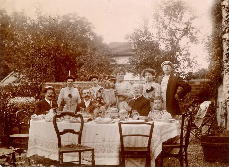 1repas_jardin_dimanche_famille_bourgeoise_est1905