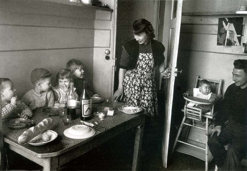 1french_working-class_couple_with5children_circa1950