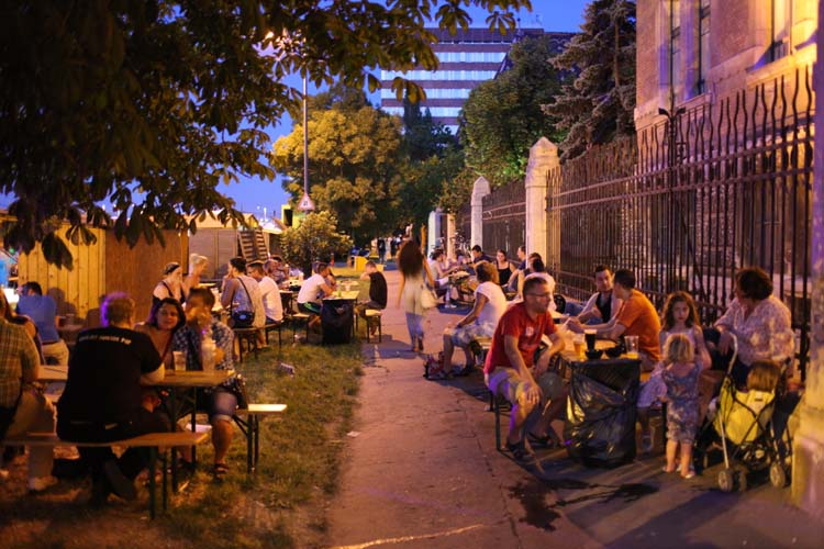 1budapest_fozdefeszt_beer_festival_side_alley