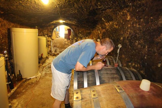 1gabor_karner_barrel_winethief