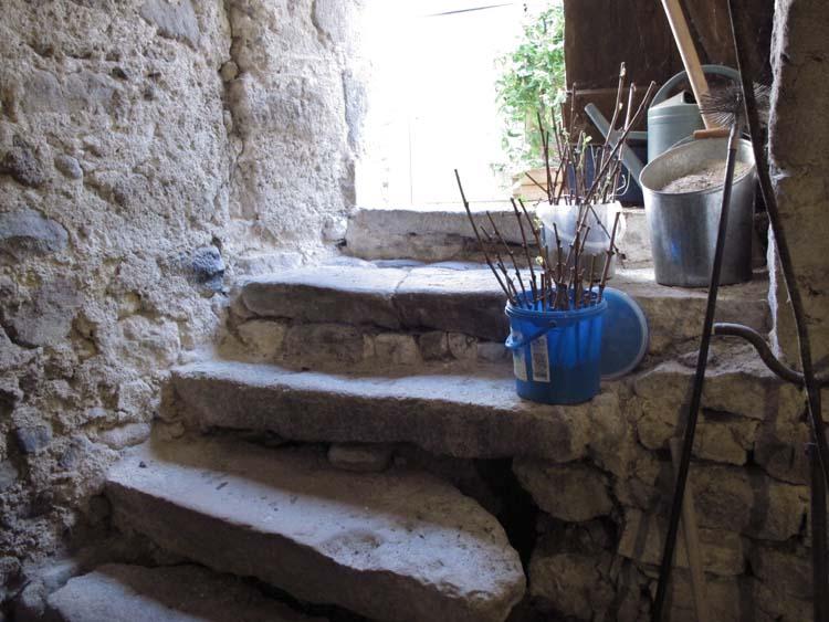 1mito_inoue_auvergne_stairs_cellar