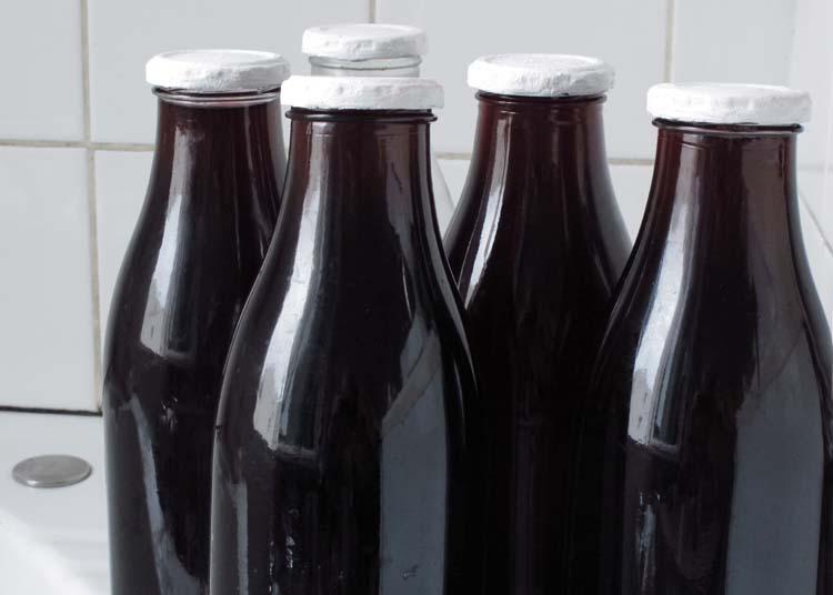 1wine_bottled_in_milk_bottles