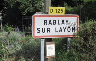 1richard_leroy_rablay_road_sign_anjou