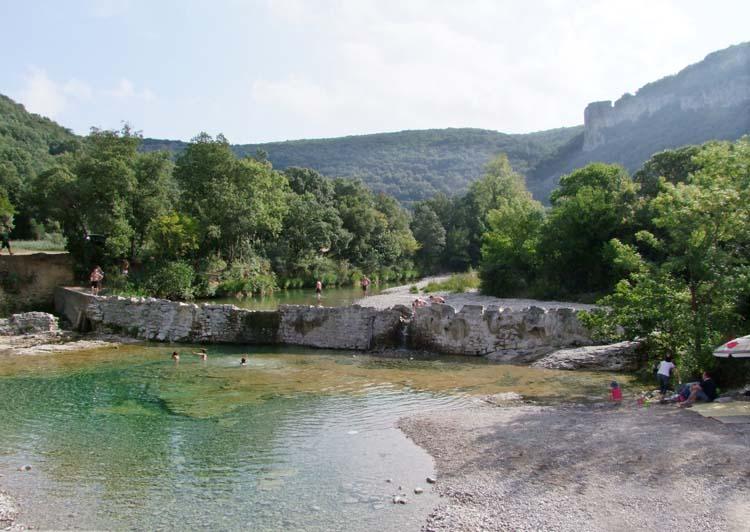 1ibie_river_beach_ardeche