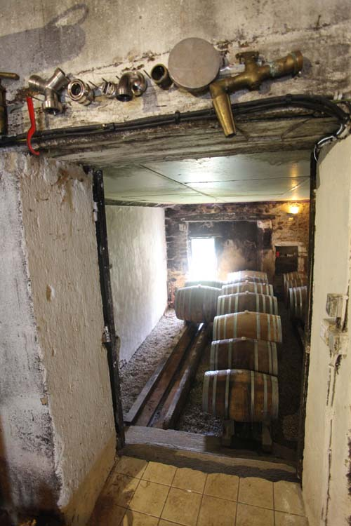 1mark_angeli_cellar_cask_room_door_to