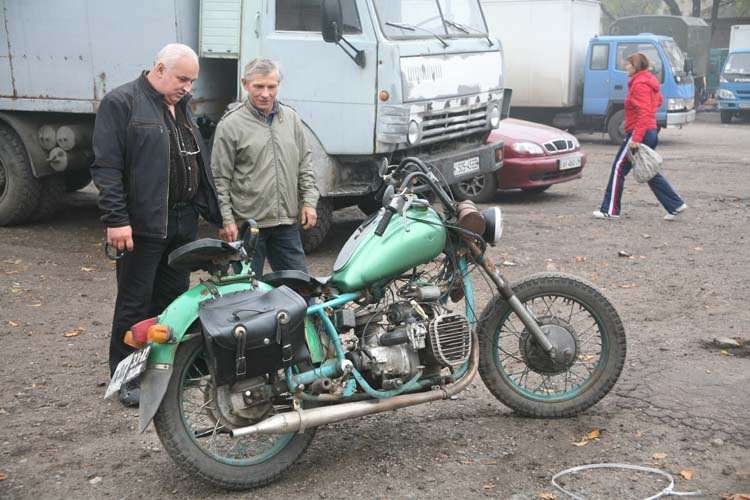 1donetsk_customized_soviet-era_bike