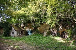 1renaud_guettier_cellar_yard_under_trees