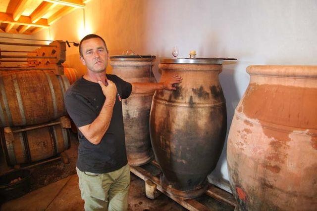 1jean-claude_lapalu_beaujolais_amphorae