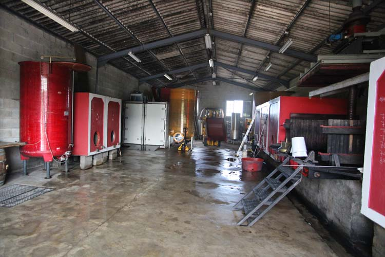 1yvon_metras_fleurie_facility