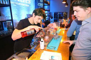1cocktail_bartender_paris_guillaume