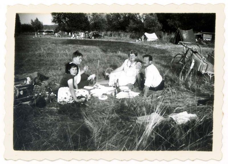 1old_wine_pics_camping_picnic_on_bicycle_1949