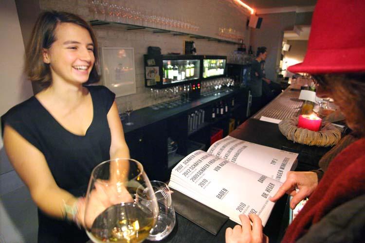 1berlin_winebar_cordobar_wine_book_weinbuch