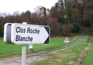 1CRB_clos-roche-blanche_road_sign