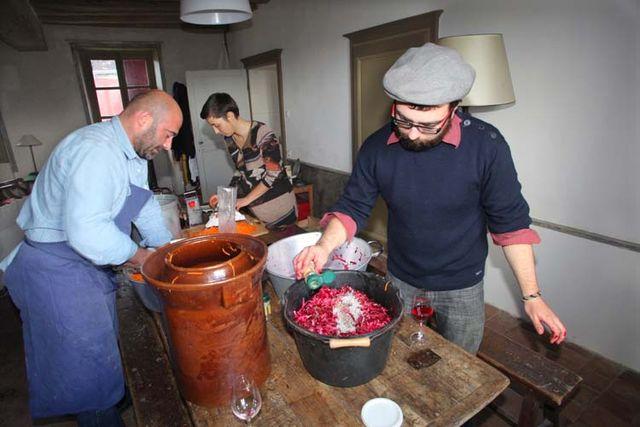1lacto-fermentation_sprinkling_a_few_spices