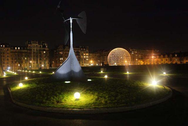 1sake_unesco_paris_garden_at_night