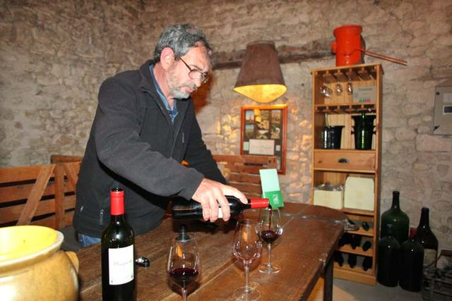 1planquettre_medoc_pouring2011