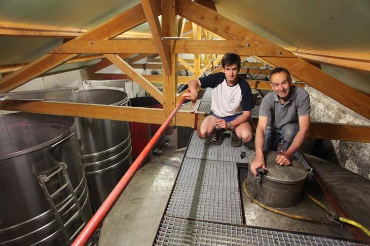 1clos-siguier_montcuq_cahors_top_of_fermenters