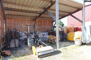 1grange-aux-belles_tractors_tools