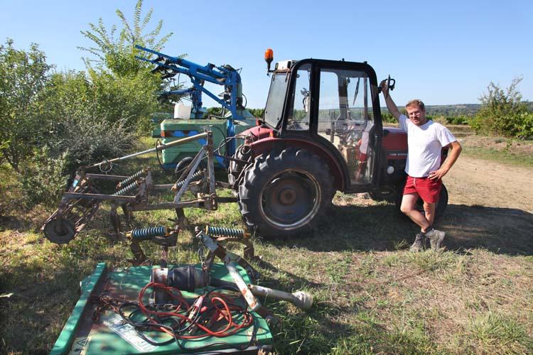 1thomas_boutin_tractor_case-international