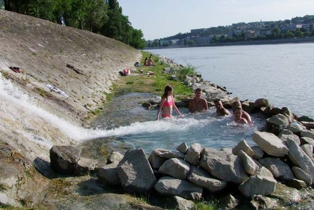 1budapest_margit_danube_secret_hot_springs