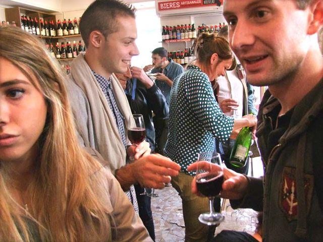 1cave_papilles_wine_party_crowd