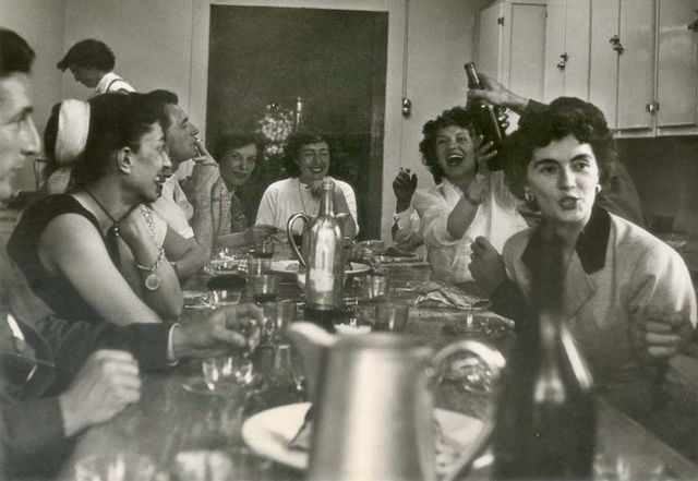 1wine_scenes_feisty_table_est1954
