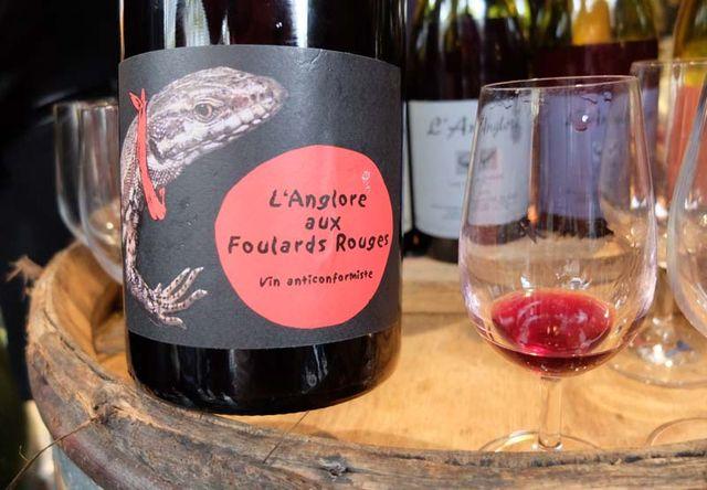 1langlore_aux_foulards_rouges