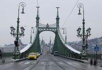 1szabadsag_hid_budapest_snow