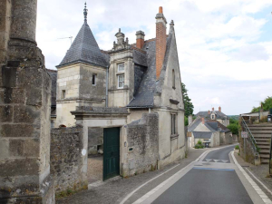 1montlouis_loire_mansion