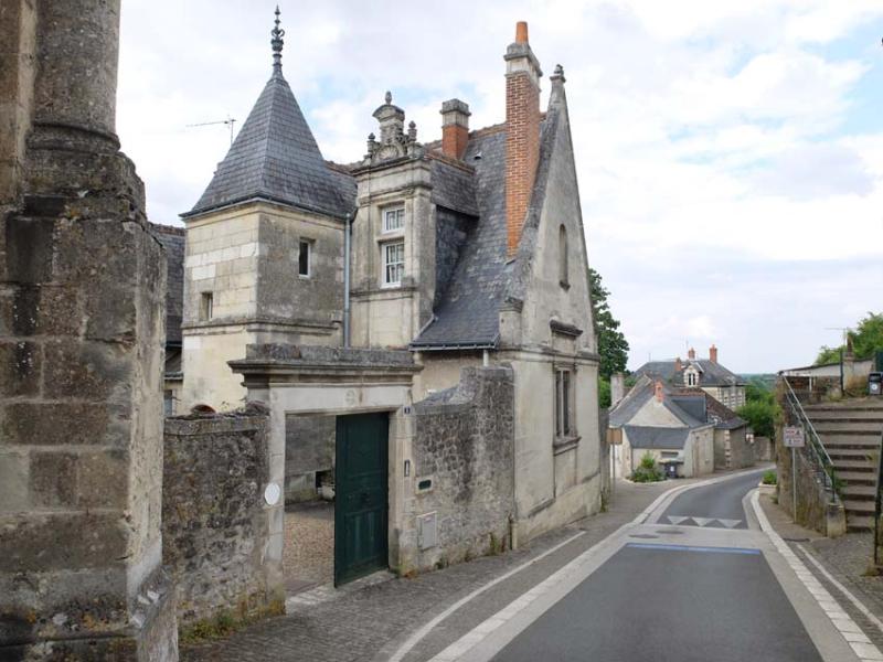 1montlouis_loire_mansion