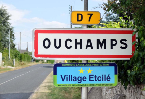 1ouchamps_road_sign
