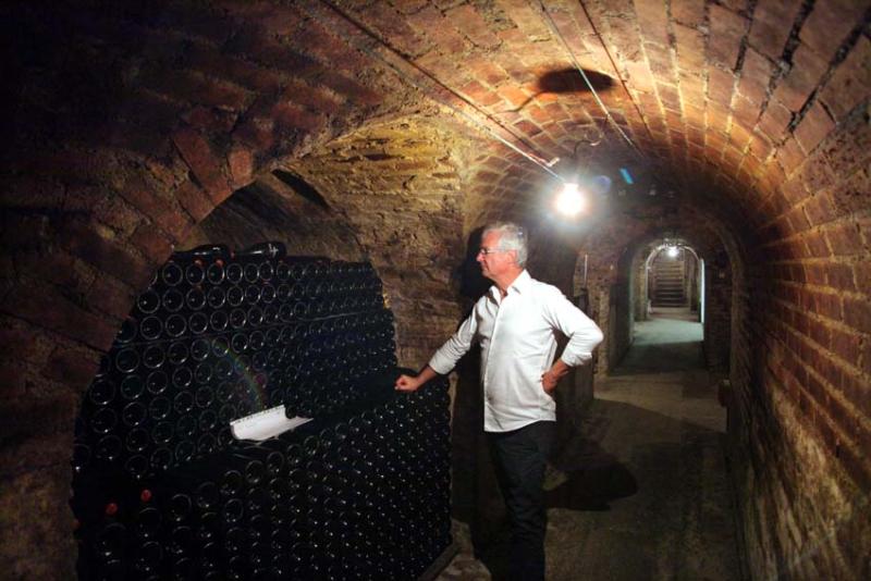 1leclerc-briant_cellar_bottle_cabinets