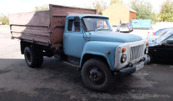 1armenia_wine_factory_grapes_delivery_truck