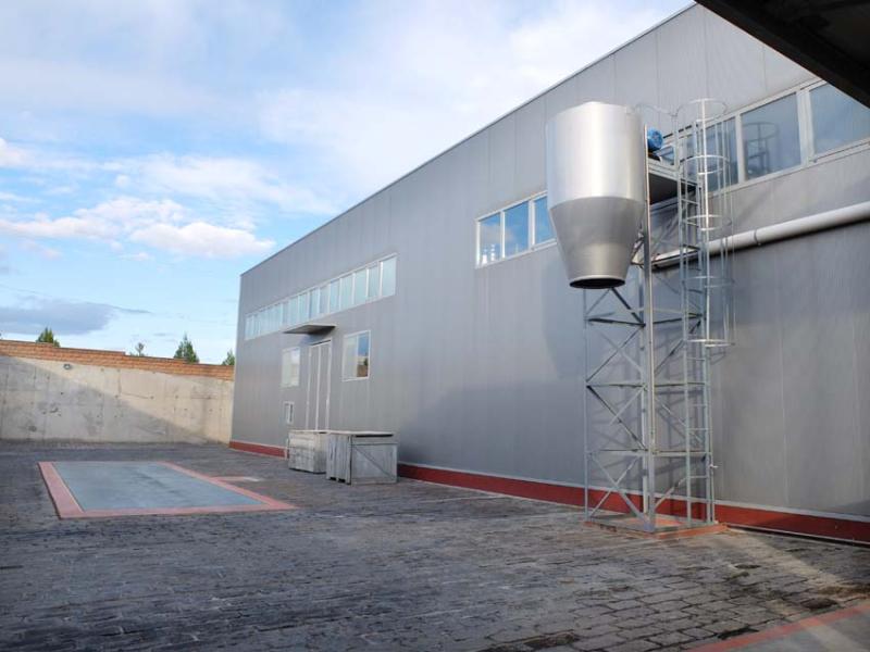 1armas_estate_facility_grape_dock