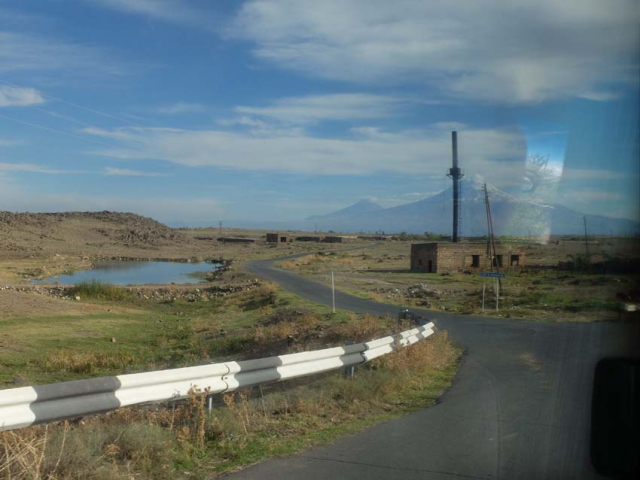 1ararat_road_window_reflections