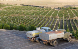 1armas_estate_irrigation_trucks
