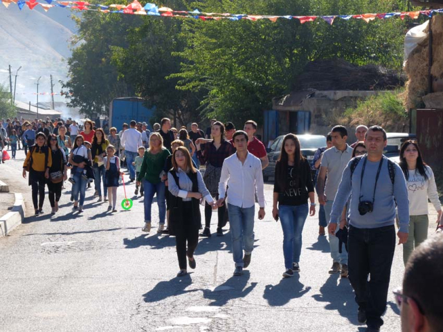 1areni_fest_crowds_leaving