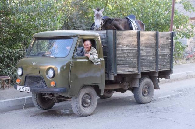 1areni_uaz_farm_truck