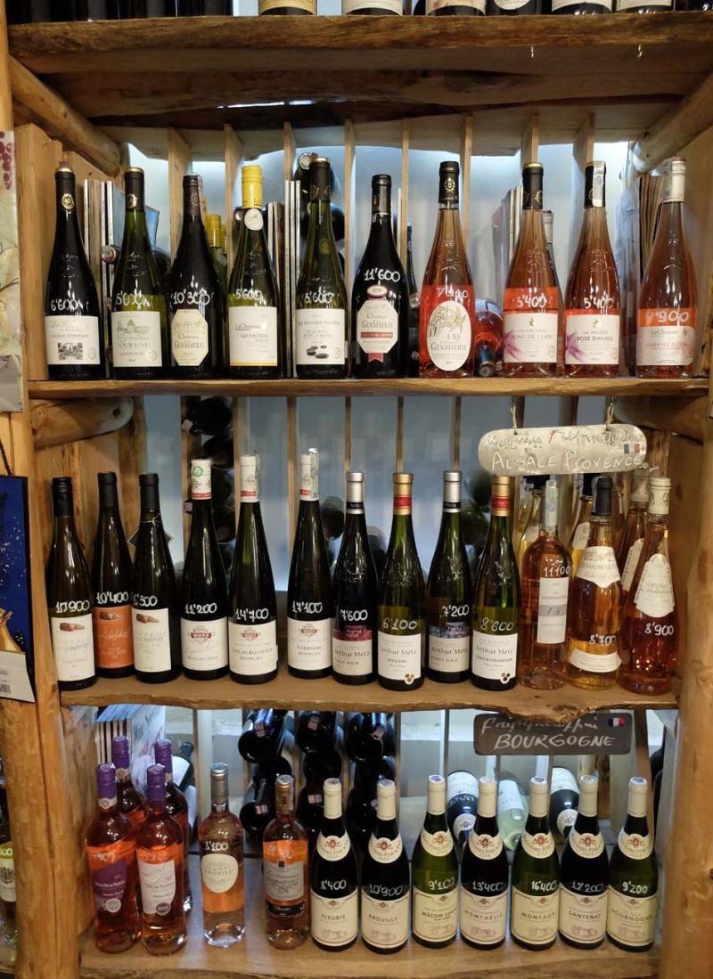 1in_vino_shelves_french