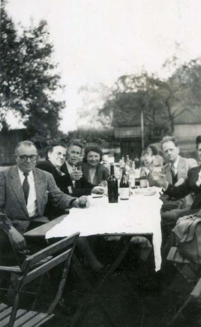 1wine_scene_outdoor_lunch1935
