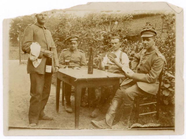 1wine_scenegerman_soldiers1916