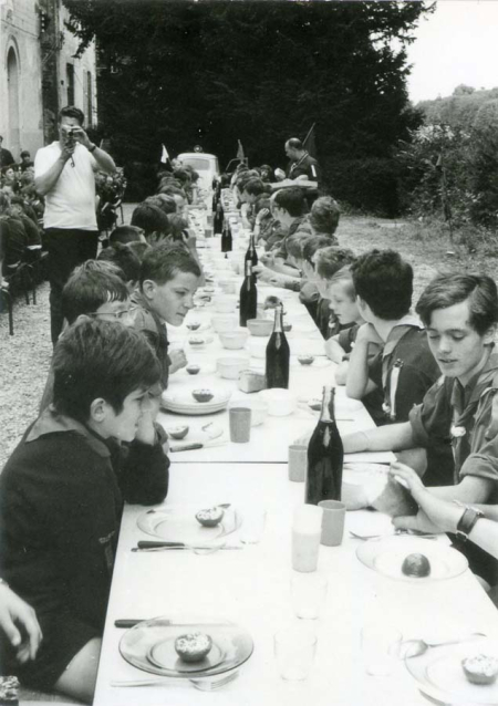 1wine_scene_boyscouts_lunch1977