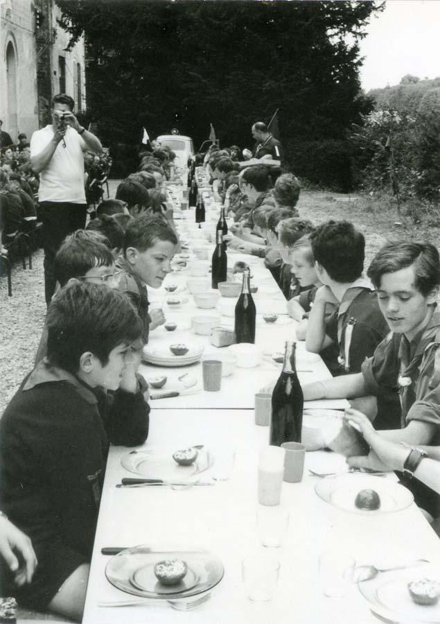 1wine_scene_boyscouts_lunch1977