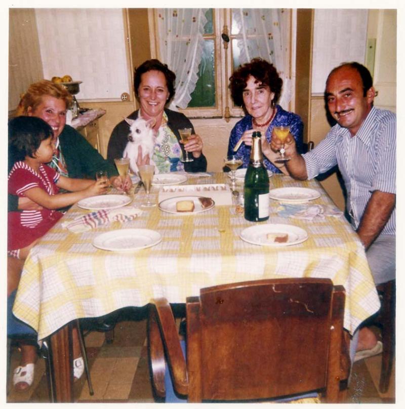 1wine_scene_champagne_1972