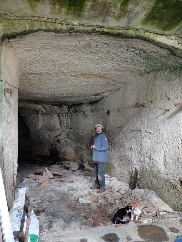 1sylvain_leest_cellar_tunnel