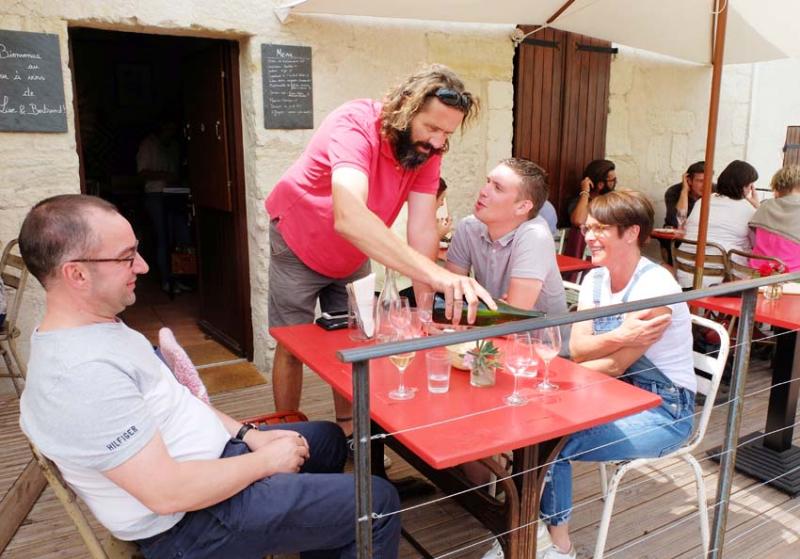 1jousset_montlouis_wine_bar_bertrand