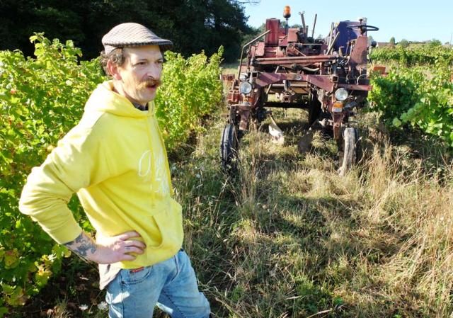 1maisons_brulees_ben_slanzi_straddle_tractor