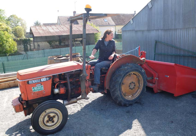 1noella_morantin_chai_tracteur_vigneron