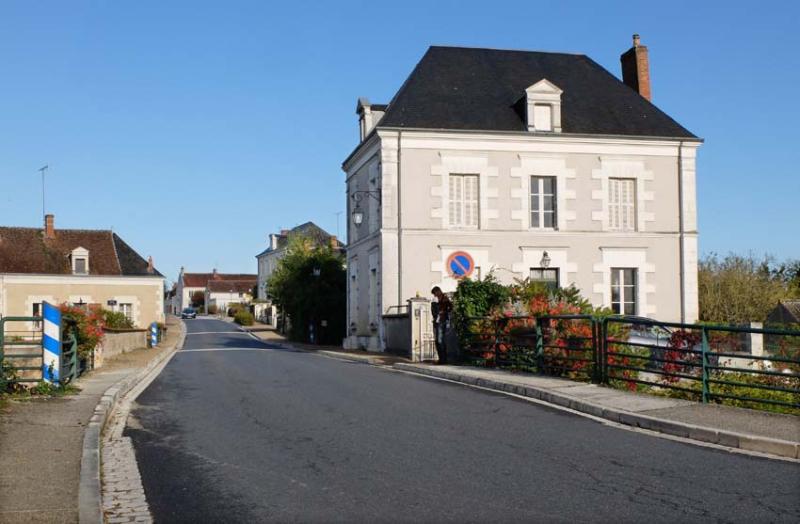 1pouille_sur_cher_main_street